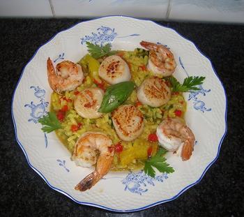 Risotto met peultjes, paprika, sint Jacobschelpen en scampi 5