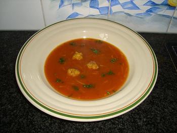 Tomatensoep met balletjes en vermicelli 8