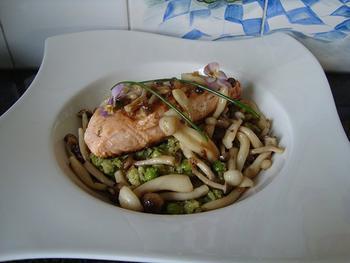 Zalmfilet met beukenzwammen en groene risotto 7