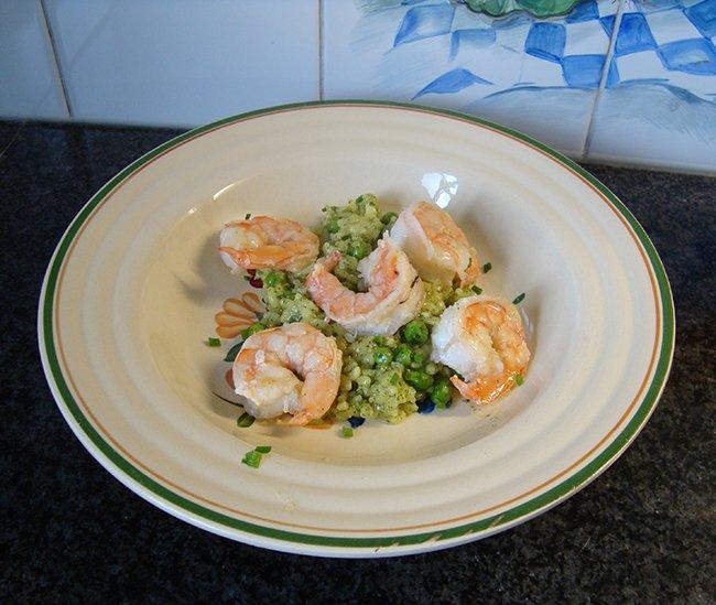 Groene risotto met erwtjes en scampi 1