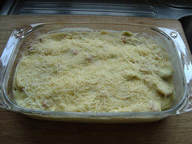 Pasta met kaassaus en spekjes 1