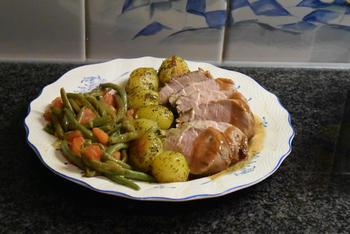 Eenvoudig, gemarineerd varkenshaasje met prinsesboontjes, tomaatjes en frietjes 3
