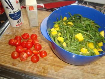 Eenvoudig, gemarineerd varkenshaasje met prinsesboontjes, tomaatjes en frietjes 8