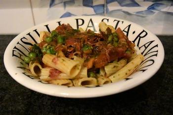 Pasta met pancetta, doperwten en tomaat 9