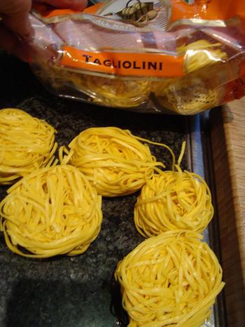 Scheermessen en mosselen met pasta: tagliolini 8