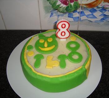 Verjaardagcake met suikerglazuur 5