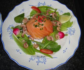 Zalmtimbaaltje met avocado en garnalen 6