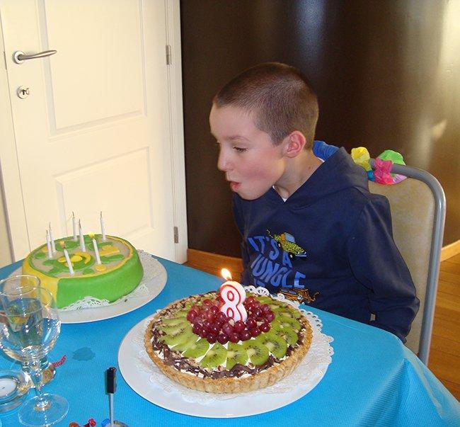 Verjaardagcake met suikerglazuur 1