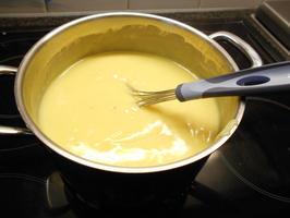 Appelschijfjesvlaai met pudding en rand van crumble 3