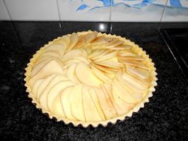 Appelschijfjesvlaai met pudding en rand van crumble 6
