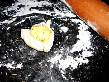Cypriotische paasbroodjes met kaas: flaounes 7