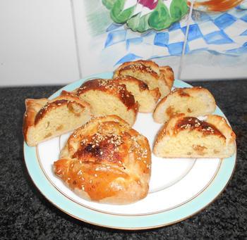 Cypriotische paasbroodjes met kaas: flaounes 9
