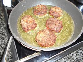 Falafel van linzen en pompoen met stamppot en uiensaus 9