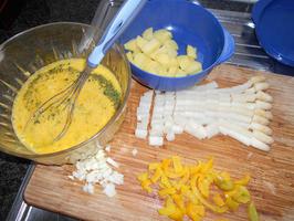 Frittata met asperges, paprika, aardappelen en feta 2