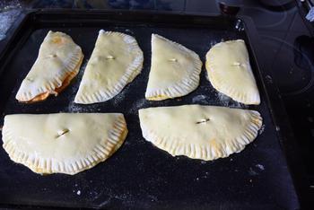 Gözleme of hartige, gevulde Turkse pannenkoeken. (Ik bakte ze in de oven) 7