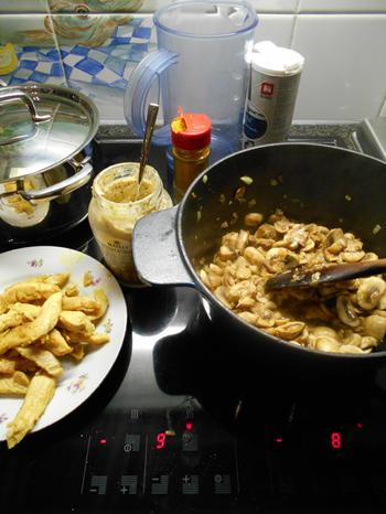 Kalkoenfricassee met champignonsaus en pasta 3