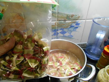 Kalkoenfricassee met champignonsaus en pasta 4