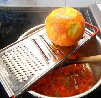 Lamsgehaktballetjes, rijst en paprikasaus met sinaasappel 3