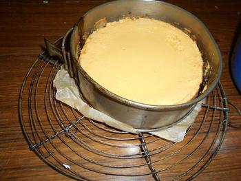 Lime pie of Amerikaanse limoentaart met gecondenseerde gesuikerde melk 9