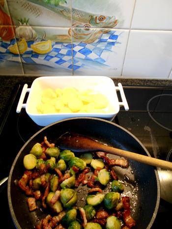 Ovenschotel van spruiten, spekjes en aardappelen 2