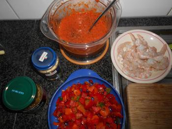Pizza met geroosterde paprikasaus en zeevruchten 3