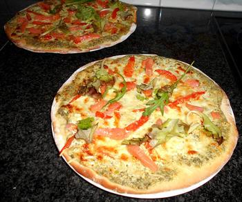 Pizza met zure room en gerookte zalm 6