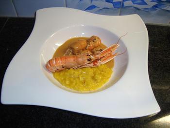 Saffraan risotto met langoustines en nantuasaus 9