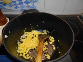 Zuurkool met braadworst en gebakken aardappelen 3