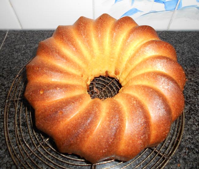 4/4 cake of quatre quart cake 1