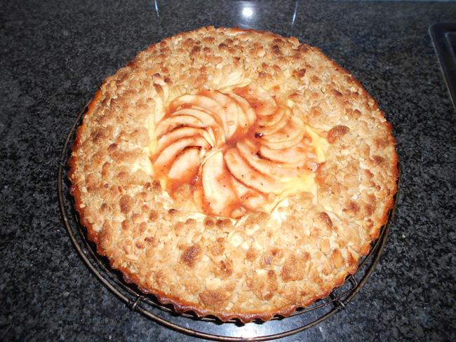 Appelschijfjesvlaai met pudding en rand van crumble 1