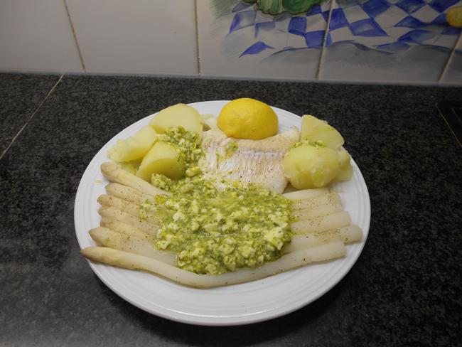 Kabeljauw, aardappelen en asperges op zijn Vlaams in de thermomix 1