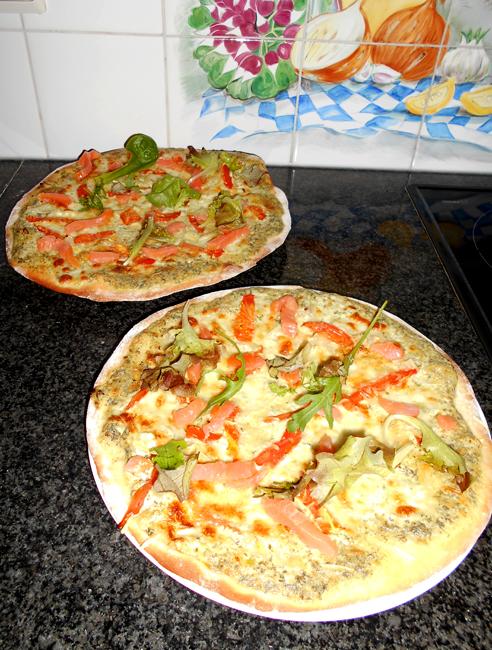Pizza met zure room en gerookte zalm 1