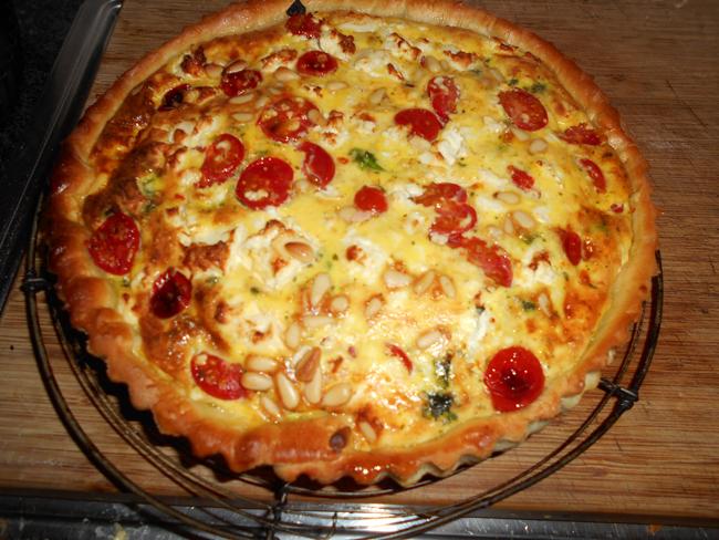 Quiche met boerenkool (kale), feta en tomaatjes , recept , gebak  u2022 Gette