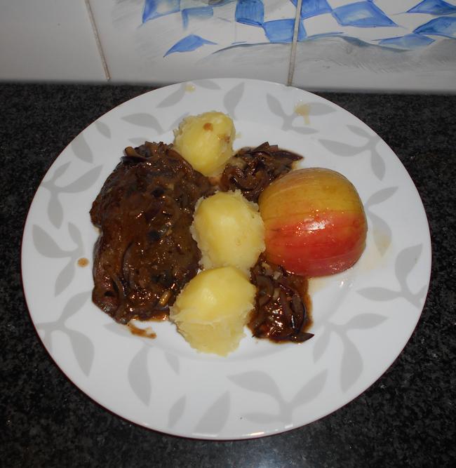 Varkenslever met ui en appel 1