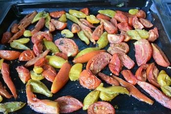 Gegrilde groenten: hier paprika en tomaten 6