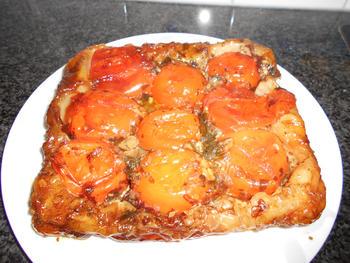 Hartige tarte tatin met tomaat 6
