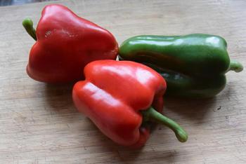Ovenschotel van paprika, groentemix en aardappeltjes met feta 2