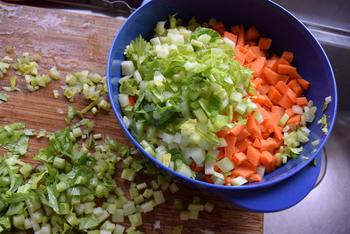 Ovenschotel van skrei of kabeljauw, mosselen, groentjes en saffraansaus. 4