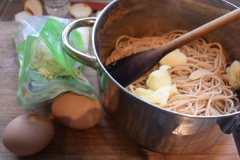 Oventaart van gehakt, spaghetti en tomatensaus 4