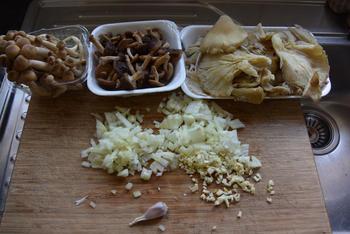 Pasta met paddenstoelen en pesto 2