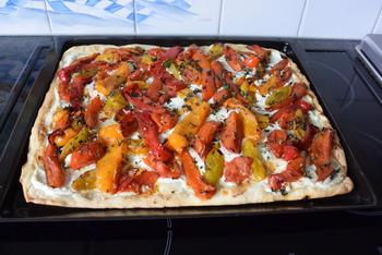 Pizza bianca met ricotta, gegrilde groenten en parmaham 8