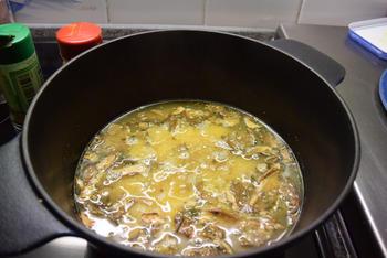 Polenta met gedroogde paddenstoelen, asperges en kalkoenfilets 2