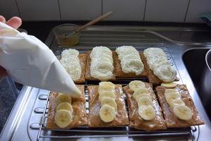 Bladerdeeggebakje met banaan en mascarpone 9