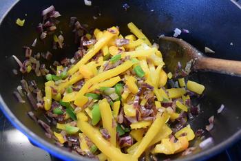 Varkensstoofpotje met tomaten, paprika en boontjes 5