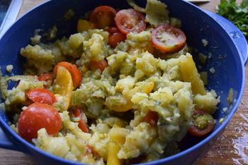 Venkelstamppot met tomaatjes, rucola en lamskoteletjes 9
