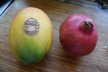 Zalm met notenkorstje, paprika, mango en granaatappel 6