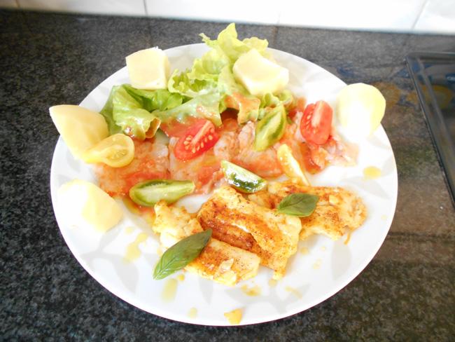 Carpaccio van vis met basilicumolie en tomatenvinaigrette 1