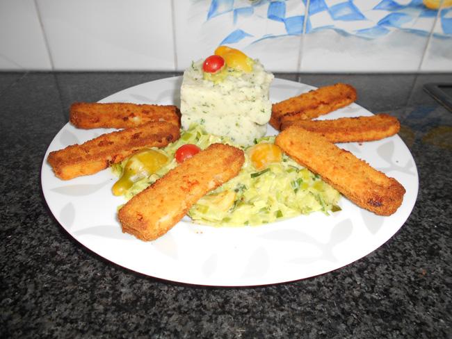 Fish sticks met gestoofde prei in saus en aardappelpuree 1