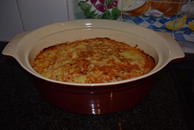 Oventaart van gehakt, spaghetti en tomatensaus 1