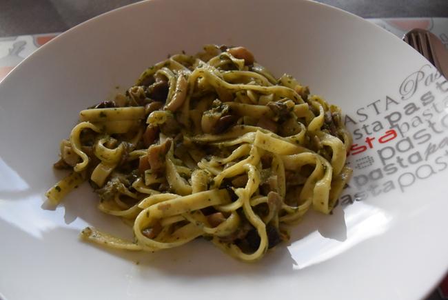 Pasta met paddenstoelen en pesto 1